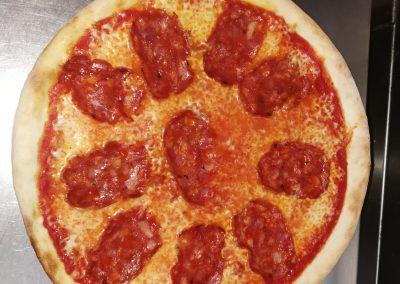 pizza a domicilio aldea blanca pizzeria fornoforo manu max