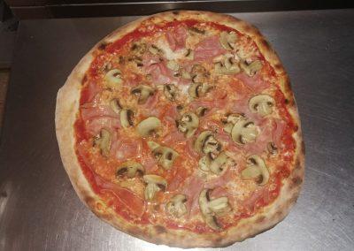pizza pizzeria fornoforo manu max